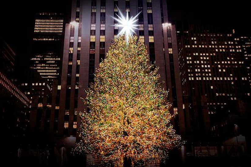 Mind-Blowing Facts About the Rockefeller Center Christmas ...